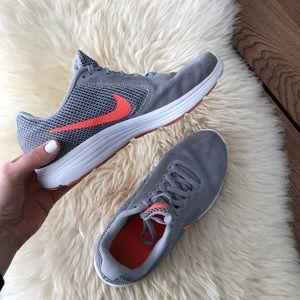Nike sneaker size 8.5 /40